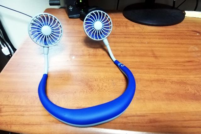 青のWfanを机に据え置きで使用してみた