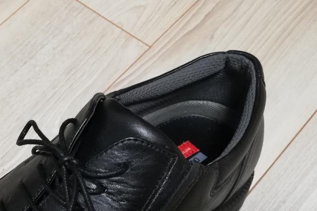 テクシーリュクスTU-7787の踵部分はメッシュクッションで靴擦れしにくい
