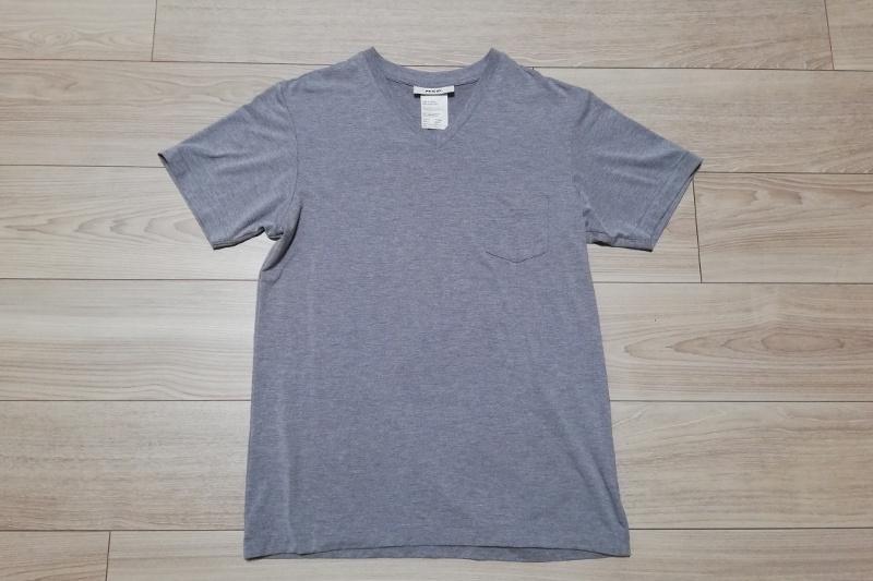 MXPファインドライのVネックTシャツ