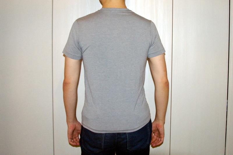 MXP FINEDRY VネックTシャツ(グレー)のSサイズを着用。身長171㎝体重68kg胸囲91㎝